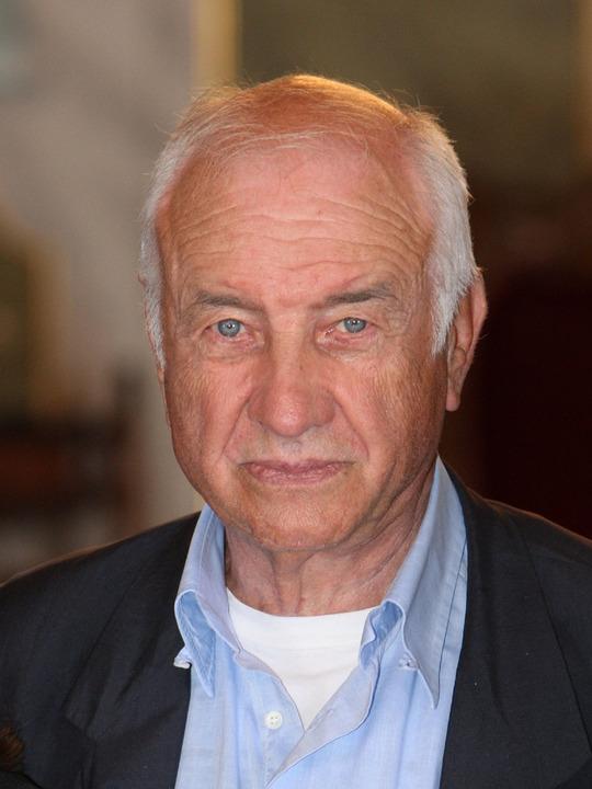 Armin Mueller-Stahl